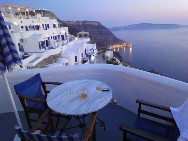 Hotel Volcano View Villas balcony