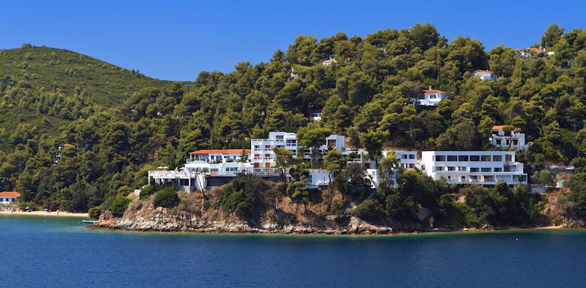 Skiathos greece a greek island review by matt barrett for Best hotels in skiathos