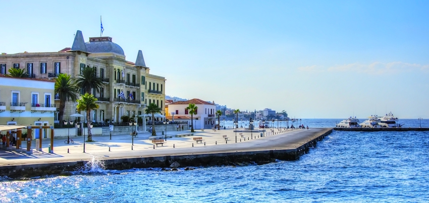 ad38b096f8f ... being too pretty and too accessible have made it too popular. The last  of the Argo-Saronic islands that include Aigina, Poros and Hydra ...
