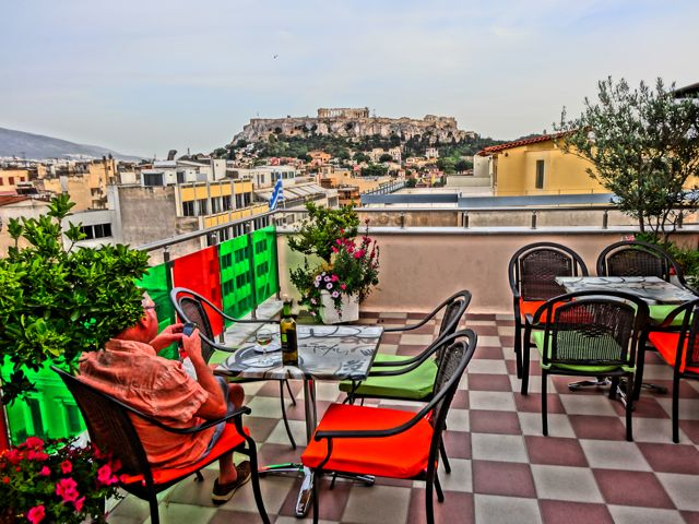Attalos Hotel rooftop garden-cafe-bar with a view of the Acropolis