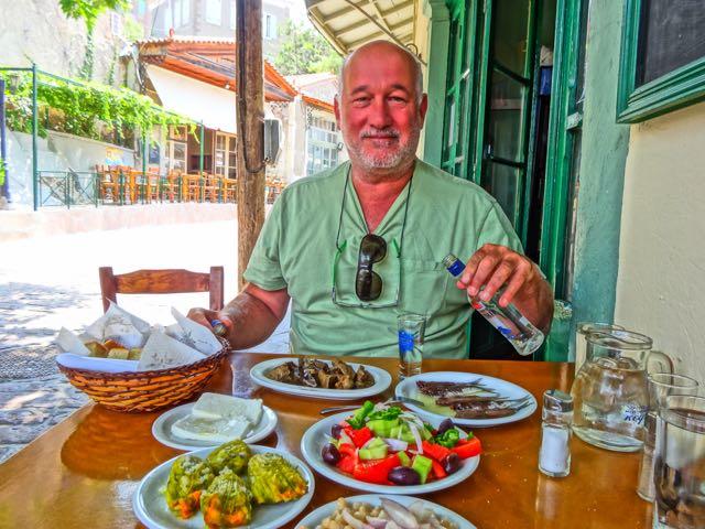Afbeeldingsresultaat voor eating in greece